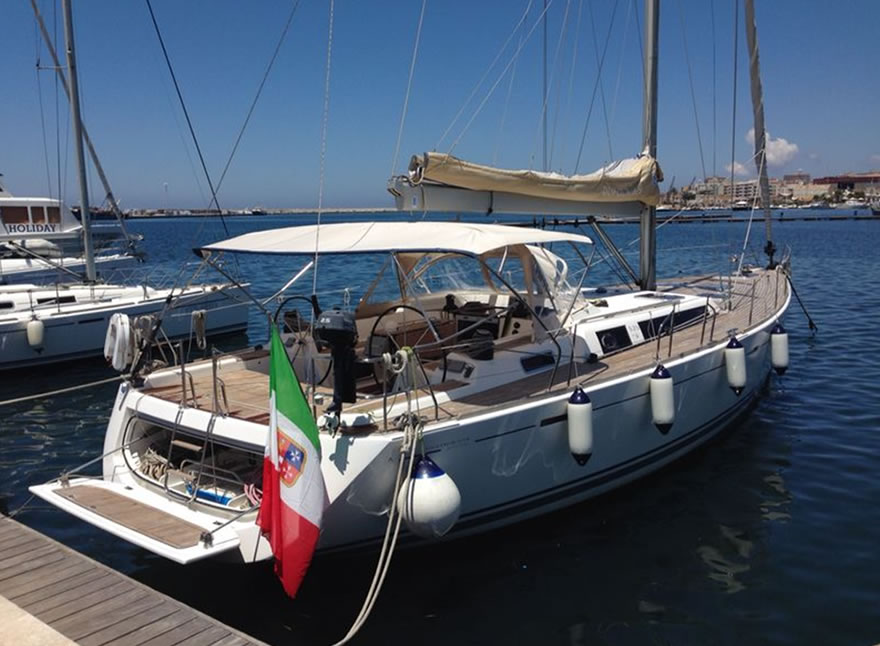 Sailboat Charter Rental - Dufour 525 holiday Aegadian Islands